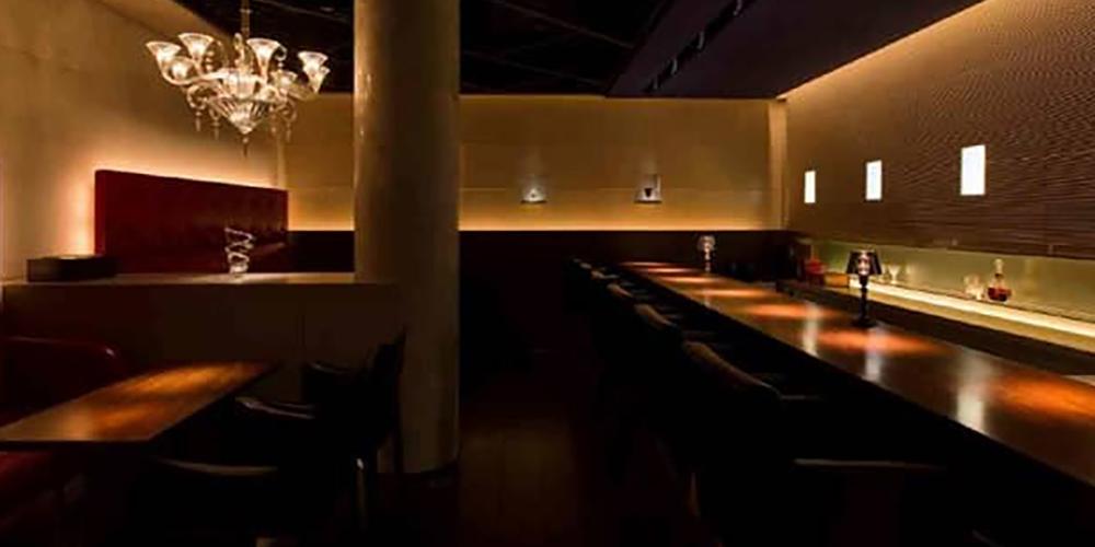 「B bar Roppongi (ビー バー ロッポンギ)」